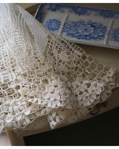 手編みクロシェレース 円形