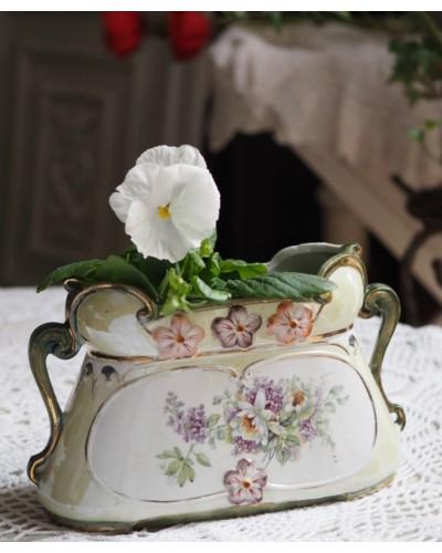 19世紀の陶器のジャルディニエール