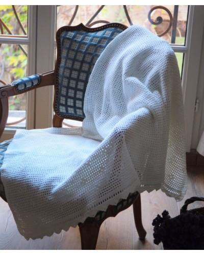 Ancien grand napperon au crochet fait main en coton blanc