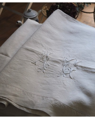Grand drap en lin blanc monogrammé A G