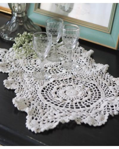 Petit napperon rectangulaire en tricot