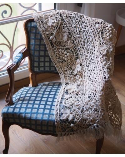 手編みのテーブルセンター