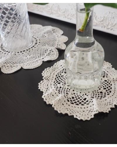 2 napperons ronds blancs, crochet
