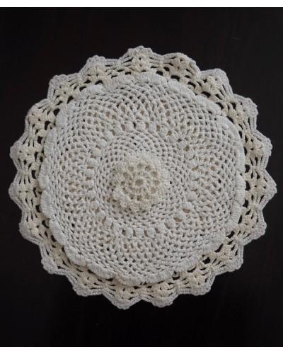 3 napperons épais ronds blancs, crochet