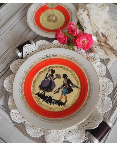 2 assiettes desserts scène gentilhomme orande liseré or germany Rudolf Wachter 1950's