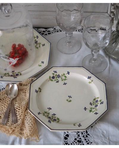 Assiette octogonale Creil et Montereau Labrador Barbeau fleurs
