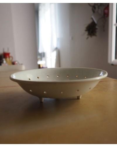 クレイユ・エ・モントローのエグトワール(水切り皿)