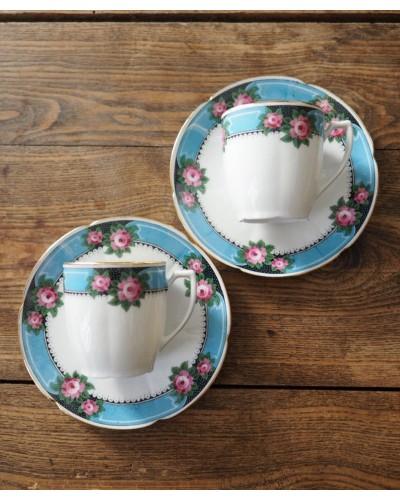 Tasse et sous tasse bleu, noire Limoges B&Cie décor roses