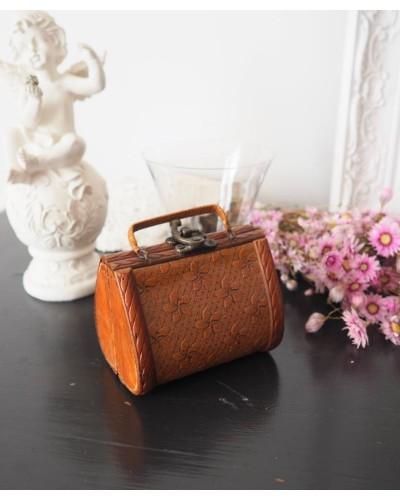 ハンドバッグ型のジュエリーボックス  木製