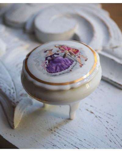 Boite à bijoux Limoges, Le tréfle décor romantique