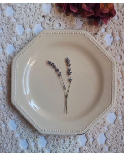 Assiette Christophe Pichon Uzès couleur crème octogonale