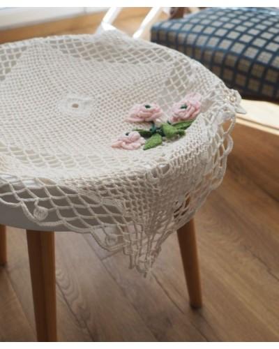 手編みドイリー  バラの花アップリケ