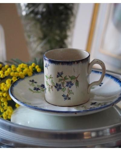 クレイユ・エ・モントローのコーヒーカップ    矢車菊シリーズ