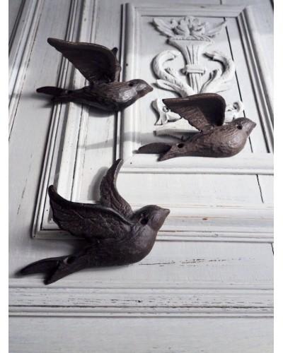 3羽のツバメの壁飾り
